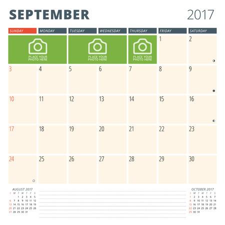 cronologia: Planificador de calendario para 2017 Año. Plantilla de diseño con lugar para fotos y notas. Septiembre. Semana comienza el domingo