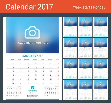 cronologia: Calendario de pared mensual para el Año 2017. Diseño del vector plantilla de impresión con lugar para la foto. La semana comienza el lunes