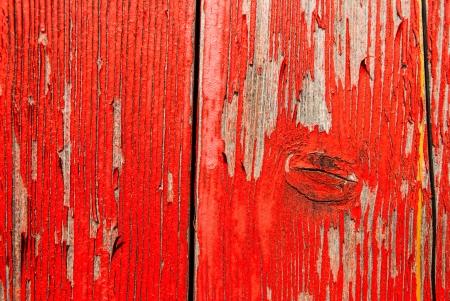 barnwood: Old peeling rojo barnwood tel�n de fondo con espacio para copyspace Foto de archivo