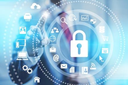 to lock: Concetto di business di Internet la sicurezza online dei servizi di sicurezza di puntamento