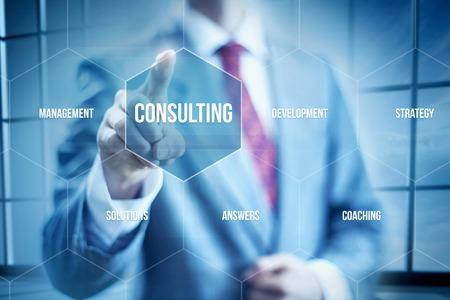 schema: Business concept Consulenza, uomo d'affari selezionando interfaccia Archivio Fotografico