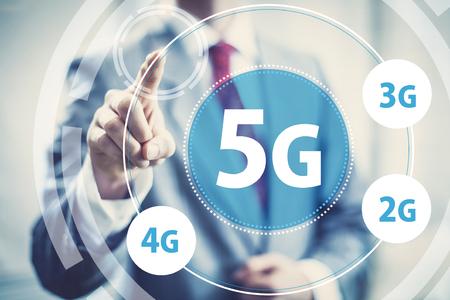 beeld van de hoge snelheid draadloze mobiele data 5g begrip Stockfoto