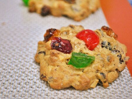 fruit cookie in silicone mat