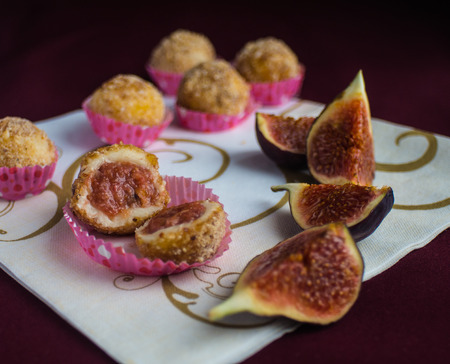 endorphines: candy from figs and chocolate