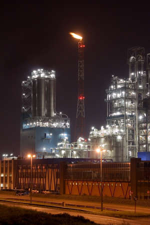 catalytic: Petrochemical plant in the night - Antwerp port Stock Photo