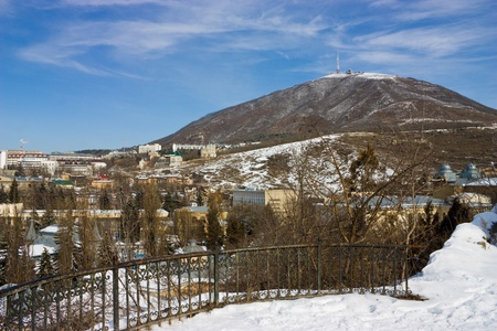 pyatigorsk: Wiev sulla montagna Mashuk in Pyatigorsk, Caucaso settentrionale.