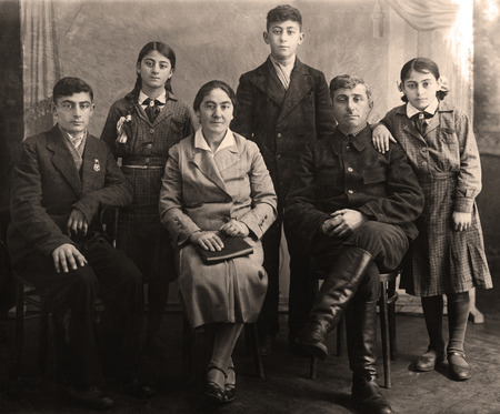 armenian woman: Family portrait, people of all ages, circa 1930.