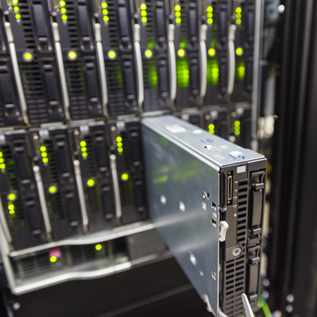 blade: server chassis, the platform virtualization in the data center server rack and failed blade server