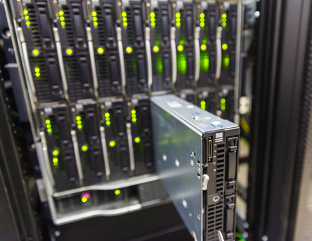 rack: server chassis, the platform virtualization in the data center server rack and failed blade server