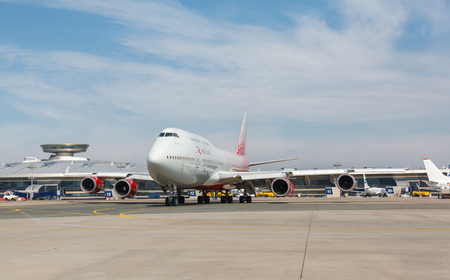 boeing 747: Boeing 747 moves on the runway
