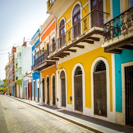Calle en el viejo San Juan, Puerto Rico Foto de archivo - 62471483