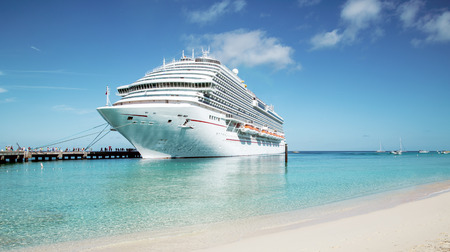 caribbeans: Cruise ship moored at Grand Turk island, the Caribbeans