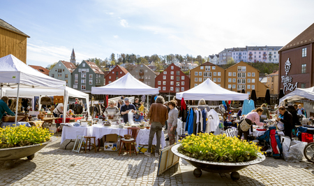The Bryggerekka Bruktmarked in Trondheim - an outdoor flea market - takes place at the marketplace in Kjøpmannsgata 25