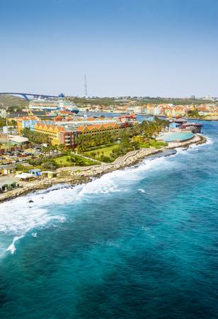 Luchtmening van Willemstad-stad op Curacao eiland Stockfoto