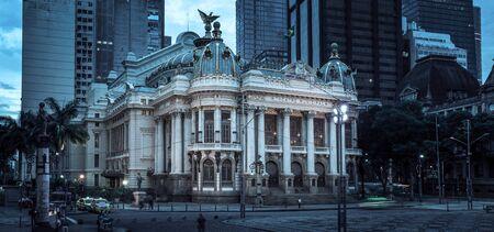 Rio de Janeiro, Brazil - December 22, 2017: Theatro municipal in downtown of Rio de Janeiro city, Brazil Редакционное