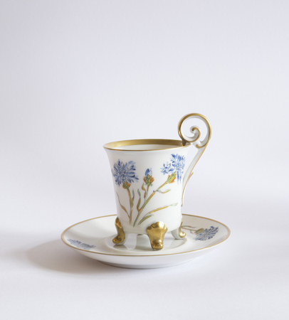 Vintage porcelain teacup isolated on white background 스톡 콘텐츠