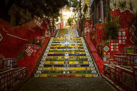RIO DE JANEIRO - DECEMBER 15, 2017: Colorful Escadaria Selaron created by Chilean artist Jorge Selaron in Rio de Janeiro, Brazil Foto de archivo - 128139934