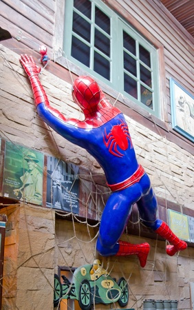 Spiderman statues at restaurant on October 23, 2011 in Parkchoi, Thailand 版權商用圖片 - 11229743