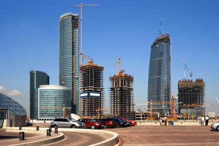 Costruzione di nuovo centro moderno di affari a Mosca (Russia)