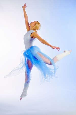 rehearsal: The girl the dancer on rehearsal