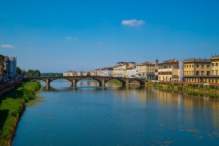 arno: Ponte Vecchio bridge in Florence, Italy. Arno River. Tuscany