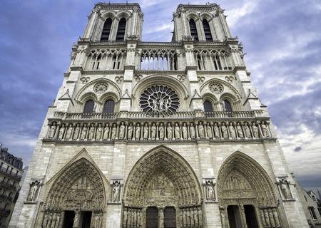 フランス・パリのノートルダム大聖堂。