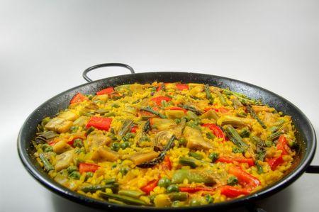 Traditional Spanish rice: Paella and vegetables - Vegetarian recipe Foto de archivo