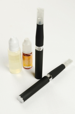 nicotine: Electronic cigarette, detail and components. E-cigarette business