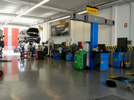 reparations: mechanical workshop and tire Stock Photo