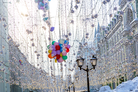 New year decorations in Moscow, garlands and balls, snow. Фото со стока