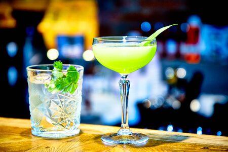Hellgrüner Cocktail, eine gute Idee, um den St. Patrick's Day zu feiern