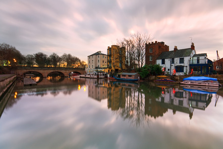 oxfordshire: Boats near Folly Bridge on river Thames in Oxford