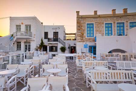 coffee shops: Coffee shops in the port of Naousa village on Paros island, Greece