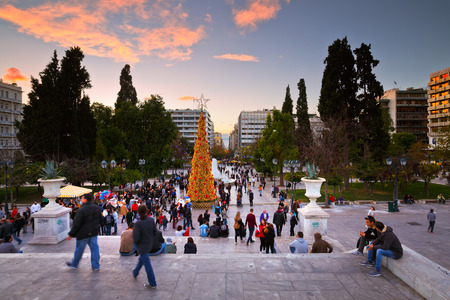 syntagma: People enjoying the evening in Syntagma square during the advent before christmas