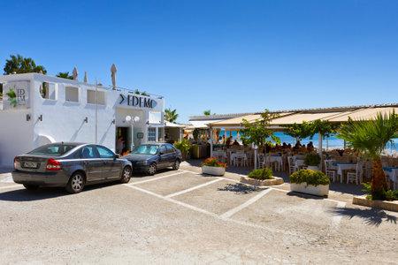 taverna: Seaside restaurant in Palaio Faliro neighborhood.