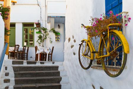 taverna: Taverna in the old town of Naxos.