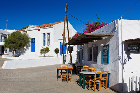 taverna: Restaurant in the main square of Folegandros village.