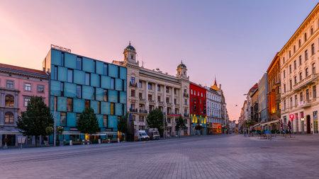 ブルノ、チェコ共和国の古い町の広場します。