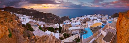 Panoramic view of Chora village on Anafi island in Greece. 版權商用圖片