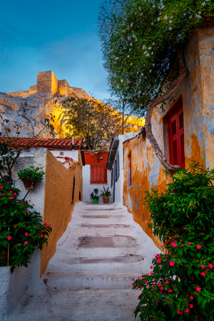 View of Acropolis from Anafiotika neighborhood in the old town of Athens, Greece. 版權商用圖片