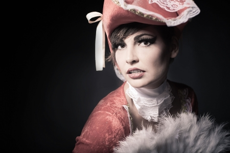 mosquetero: Mujer hermosa en vestido de baile de máscaras Foto de archivo