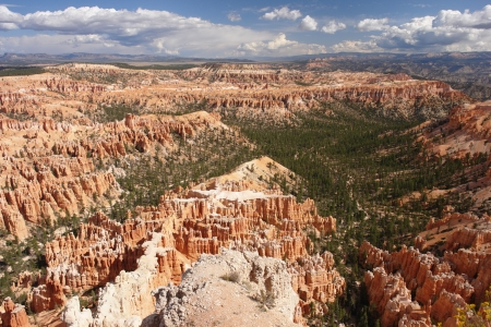 plateau point: view from Bryce Point in Bryce Canyon