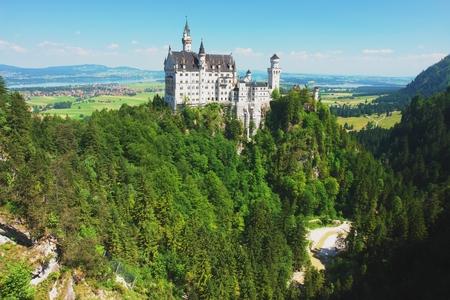 neuschwanstein: View of the castle Neuschwanstein, Germany