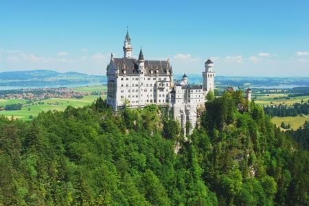 schwangau: View of the castle Neuschwanstein, Germany