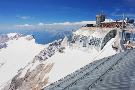 zugspitze mountain: Mountain hut on top of Zugspitze, Germany Editorial