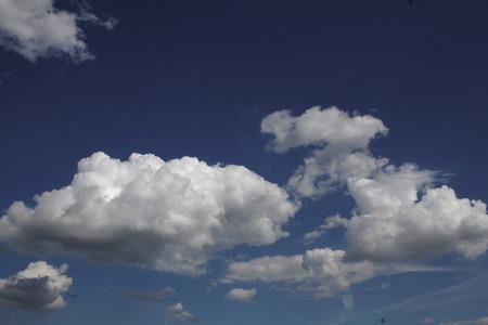 cloudsin the blue sky