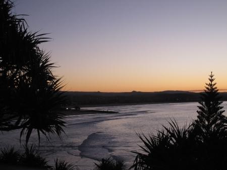 mountin: sunset on the beach