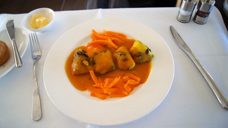 747 400: This is Lufthansa First Class dining onboard an Boeing 747-400 upper deck.