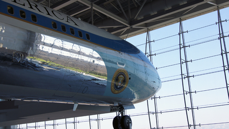 ronald reagan: SIMI VALLEY, CALIFORNIA, UNITED STATES - OCT 9, 2014: Air Force One Boeing 707 and Marine 1 on display at the Reagan Presidential Library