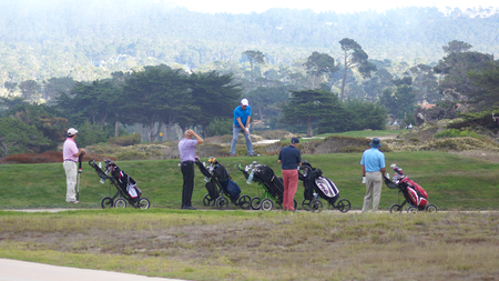 compañerismo: CARMEL, CALIFORNIA, UNITED STATES - OCT 6, 2014: companionship playing at the Pebble Beach Golf Course, which is part of the famous 17 miles drive area